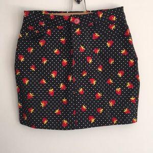 Fitted denim material skirt